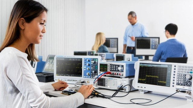 R&S Introduces Entry-Level Spectrum Analyzer with Integrated 1 Port