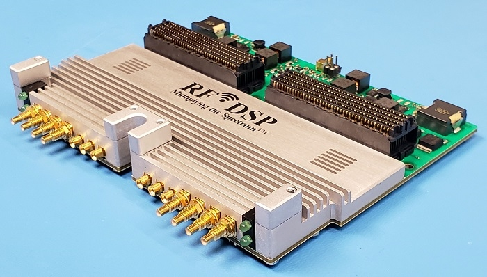 World's First 8Tx/8Rx Enhanced-MIMO RF Transceiver Module